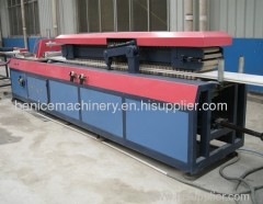 Plastic profile extruder machine