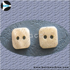 NATURAL SHELL SQUARE BUTTON