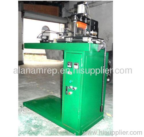 plastic product automatic cutting machine
