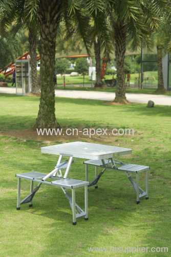 Aluminum integral type outdoor folding table