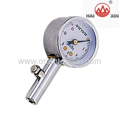 Tire pressure gauge with plastic pointer