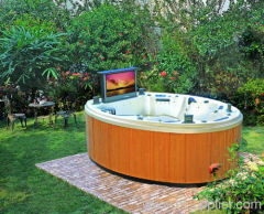 5 persons round outdoor Jacuzzi