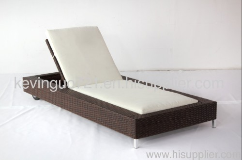 Outdoor Rattan Garden Lounger Sun Bed
