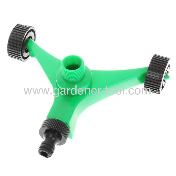 Plastic 3-arm yard sprinkler with wheel base