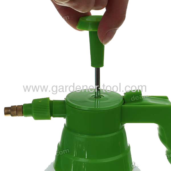 1.0L Air Pressure Garden Sprayer With Brass Nozzle and PE Bottle.