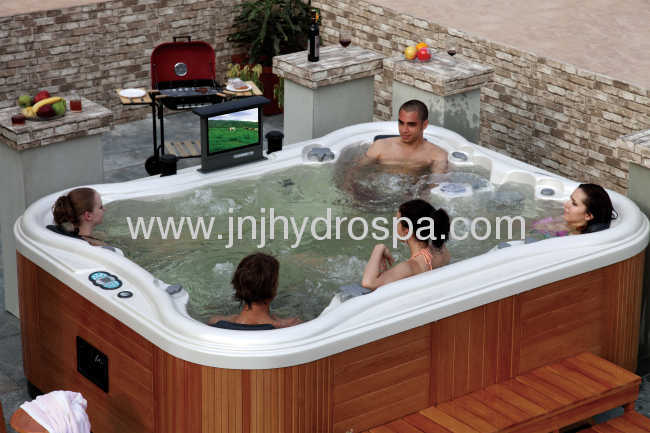 Outdoor 8 persons hot tub