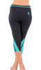 Yoga Capris 3 / 4 Shorts Cool Dry Multi Colors Slimming Womens Fitness Wear Soft Supple