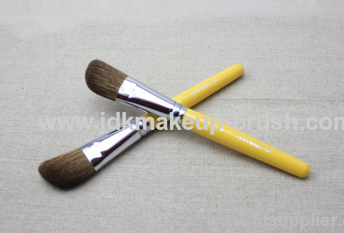 Natural wood handle cosmetic contour brush