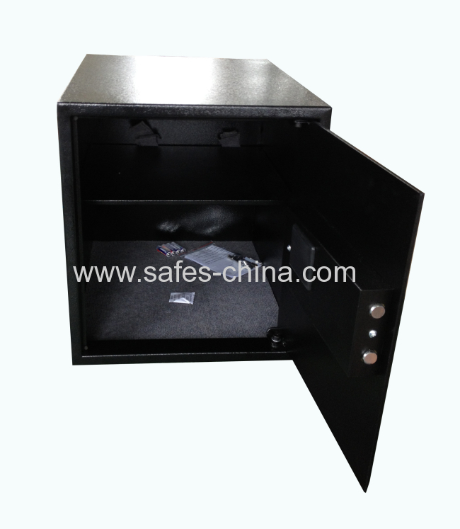 Large big hotel safe