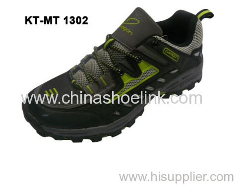 High quality China men trekking shoes with shock absorption outsole