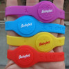 Customized silicone rubber bracelets wrist bands promotional products