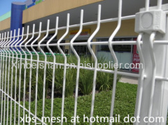 Welded wire mesh panel fence