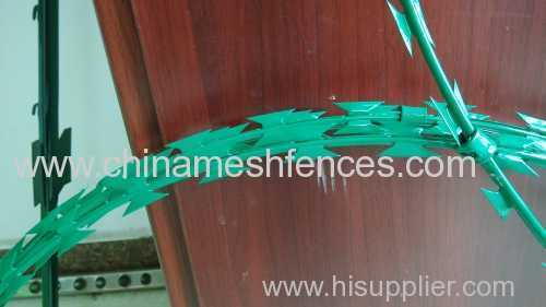 green powder coated BTO-22 razor barbed wire
