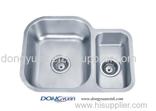 double bowl undermount kitchen sink