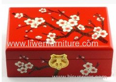 Retro push light lacquer wooden jewelry box