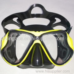 Scuba diving mask with Rubber treatment and liquid silicone