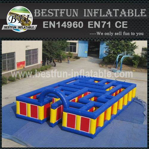 Inflatable maze for amusement park
