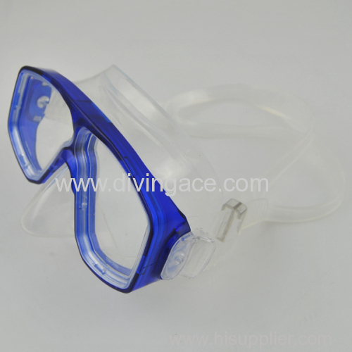 Silicone comfortable diving mask