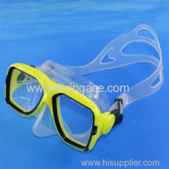 Waterproof diving mask for underwater working