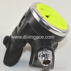Low volume scuba diving regulator/scuba diving equipment