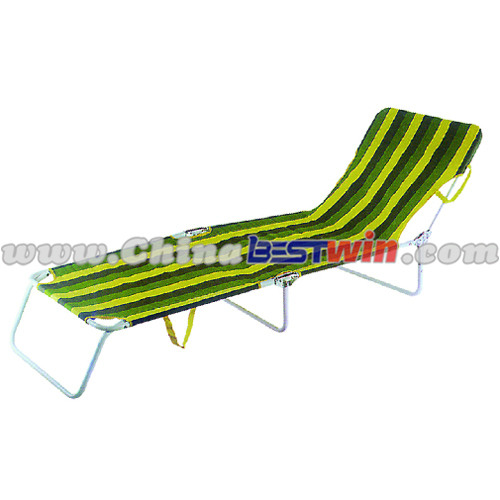 Folding beach lounger chair