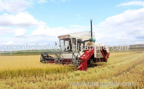 Whole-Feed Wheeled Combine Harvester