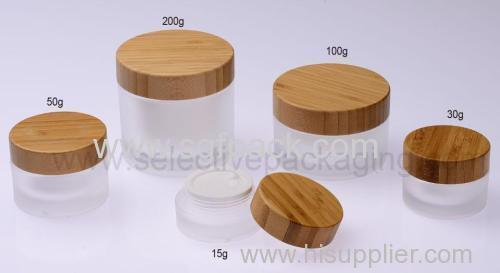 MATT WHITE GLASS JAR WOODEN CAP