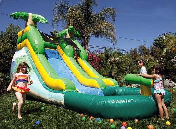 Choose a water slide for your backyard