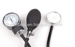 Manual aneroid sphygmomanometer stethoscope