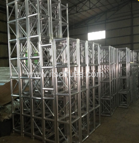 400x400mm Square truss with spigoted connection