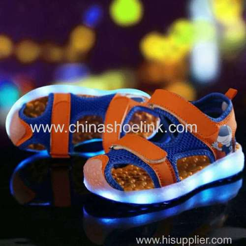Best kids sandals skateboard shoes with LED lights supplier