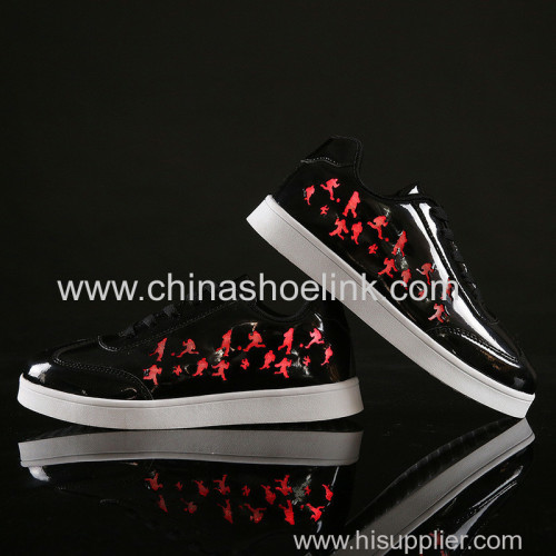 Best skateboard shoes with LED lights sport casual shoes fashion shoes factory