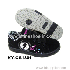 China skateboard shoe sport badminton shoes manufactor