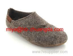 comfortable wool felt shooes for adult kids wearing at home in Spring Summer Fall and Winter