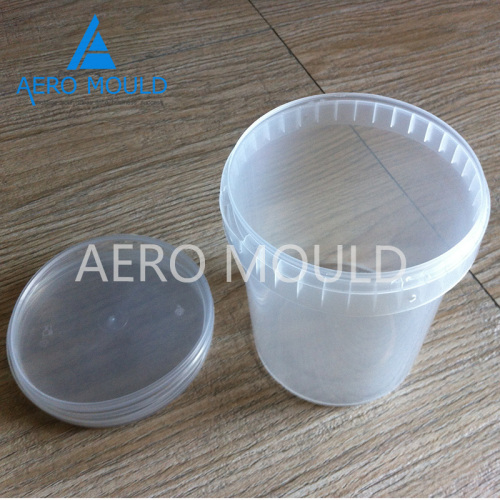 Disposable transparent plastic container mould maker