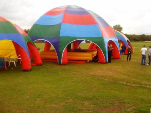 Inflatable tent use and precautions
