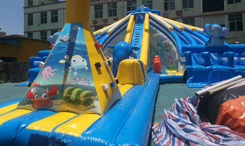 The combination of inflatable slides can diversify operations
