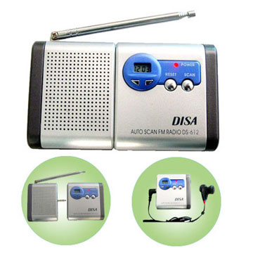 FM auto scan radio w- clock & detachable speakers