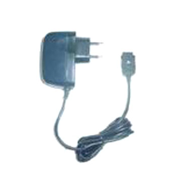 Compact Electronic Travel Charger